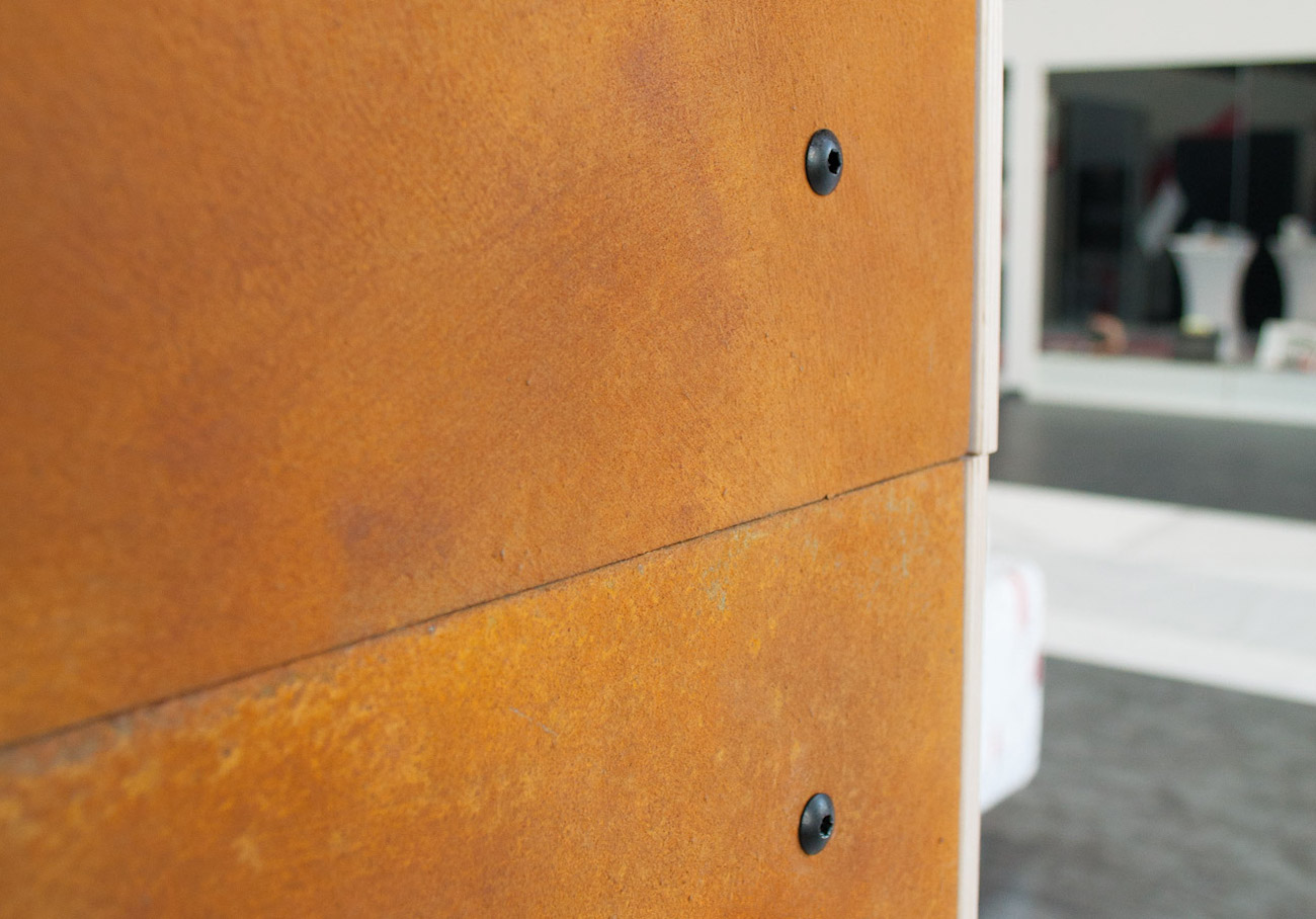 Un dettaglio della MOdularDEcorative wall di RIR, la parete divisoriain legno